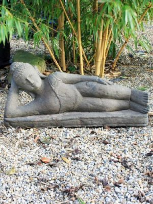 Wunderschone Buddha Statuen Aus Lavastein Bei Uns Erhaltlich